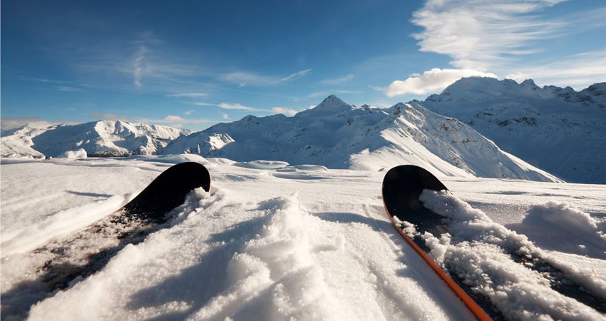 Best prices on Skis, Transfers, Ski pass and Ski Schools....